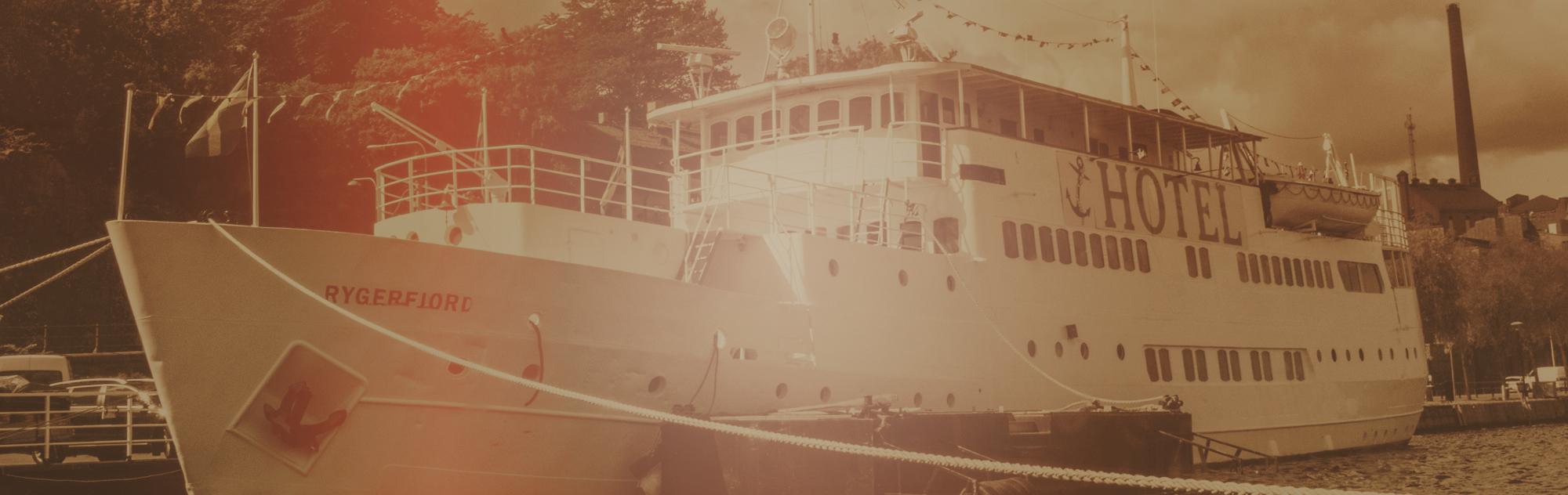 banner-boat